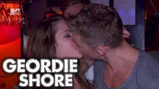 A Warm Welcome... - Geordie Shore, Season 4 | MTV UK