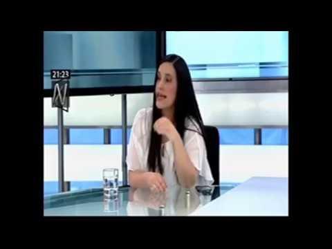 Mávila Huertas entrevista a Verónika Mendoza (Canal 8 /  2017-11-22)
