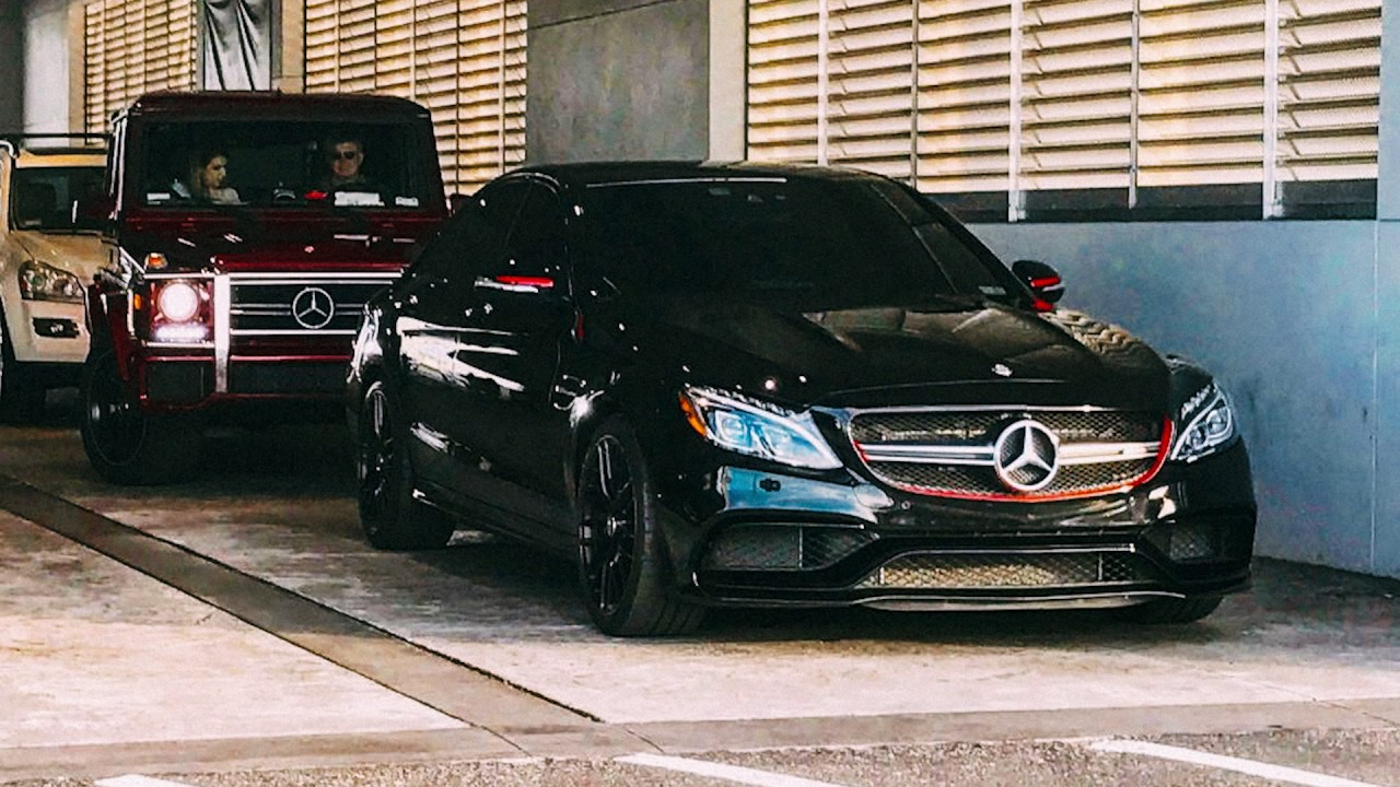 Photo of Method Man  - car