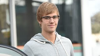 """Justin Bieber CONFRONTS """"Mean"""" Paparazzo In The BEST Way Possible"""