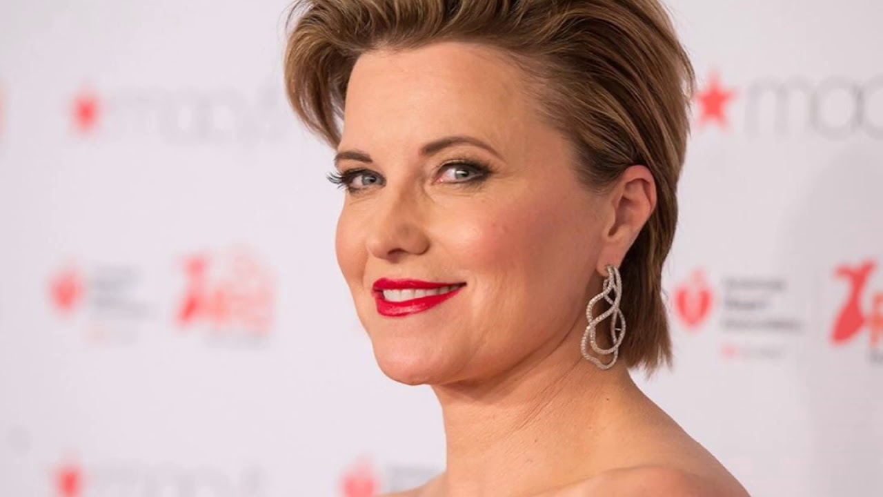 Lucy Lawless nude photos 2019