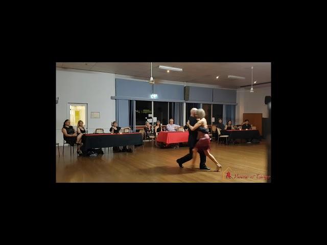 Performance to No Hay Tierra Como la Mia by David & Anita (20th October 2018)