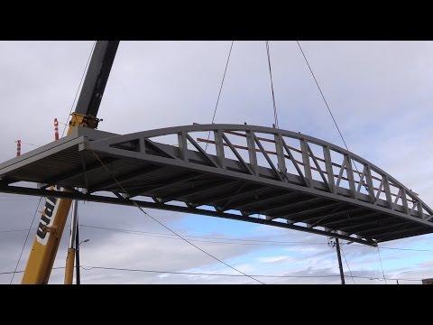 Amazon Creek bike bridge