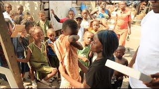 Baixar Kid in Ghetto cries after receiving shoes | Sherrie Silver