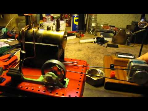 Mamod SE2a model steam engine driving Blue Thunder generator