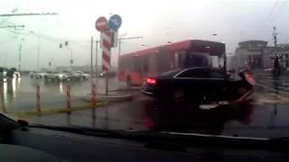 """В Казани автобус на полном ходу врезался в """"Ауди"""""""