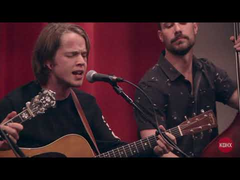 """Billy Strings """"Dust in a Baggie"""" Live at KDHX 4/6/18"""