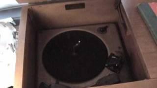 Magnavox Console Radio/ Phonograph