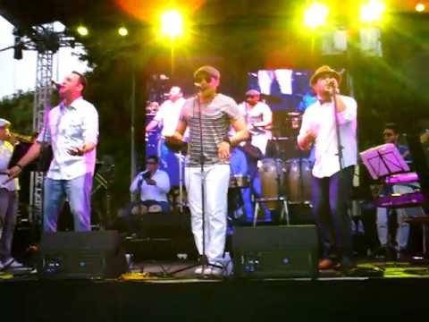 Orquesta Mafia Non Stars (coda), live at Plaza Venezuela, Caracas.