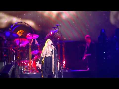 Fleetwood Mac-Gold Dust Woman live in Milwaukee, WI 2-12-15
