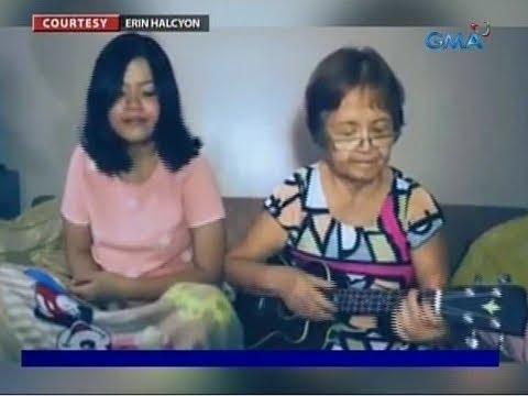 Pagtugtog ng ukulele ng isang lola sa song cover nila ng kanyang apo, patok of the town