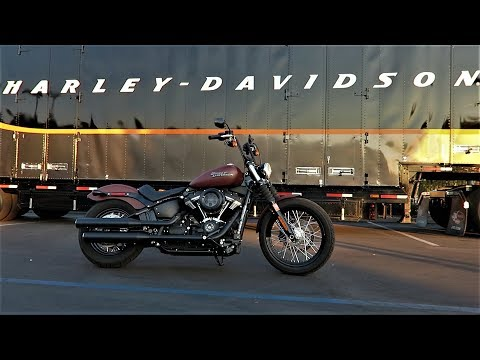 2018 Harley-Davidson Street Bob (FXBB) First Ride and Detailed Review│Milwaukee 8 with the New Frame