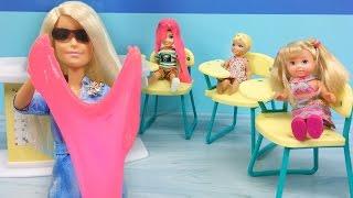 Video Barbie Öğretmen Fen Dersinde Slime Nasıl Yapılır Anlatıyor   Barbie Oyuncakları   EvcilikTV download MP3, 3GP, MP4, WEBM, AVI, FLV Desember 2017
