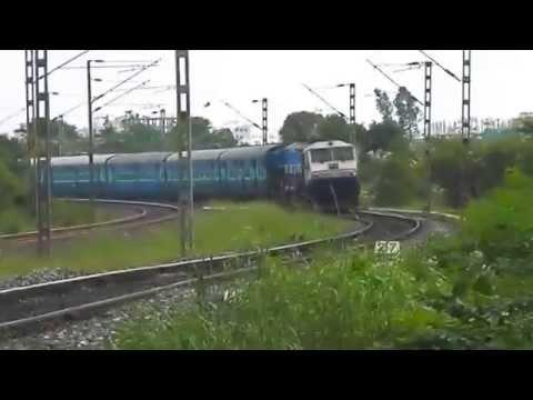 17320 Secunderabad - Hubli Express curves into Hi-Tech City