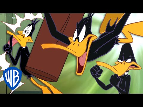 Looney Tunes | Daffy's Self-Defence Lesson | WB Kids