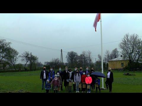 Poseł Riad Haidar podarował maszt z flagą mieszkańcom Koszoł