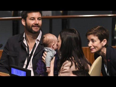 La Première ministre néo-zélandaise et son bébé vedettes à l