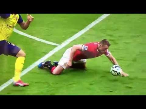 LOL Phil Jones falls vs Arsenal - Gary Neville laughs