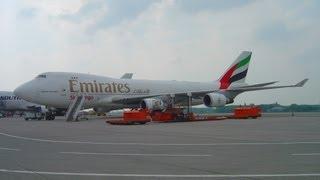 Atterrissage Boeing 747 Emirates (TNT) à Liège Airport - landing 747