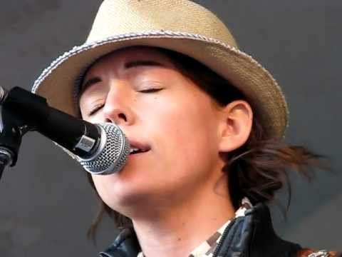 "Brandi Carlile - ""Crazy""  - Patsy Cline Cover @ Edmonton Folk Music Festival 2011"