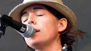Brandi Carlile Crazy - Patsy Cline cover Edmonton Folk Music Festival 2011.mp3