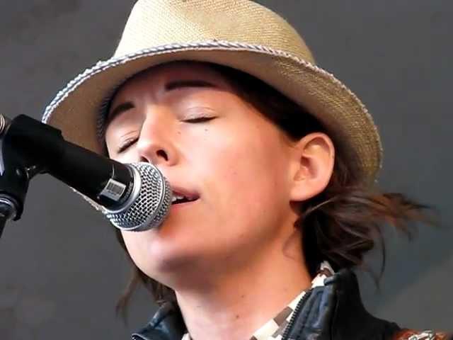 brandi-carlile-crazy-patsy-cline-cover-edmonton-folk-music-festival-2011-anna-haverstock