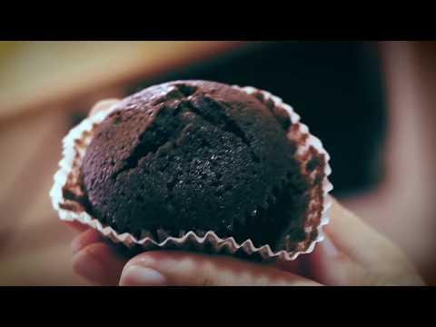 Chocolate Cupcakes - Meringue Frosting