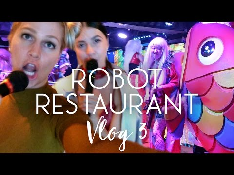Mermaid Nails, Karaoke and Robot Restaurant (Tokyo Vlog #3)