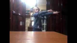 Пацан танцует тектоник(Это мое первое видео не судите строго., 2014-04-07T18:58:07.000Z)