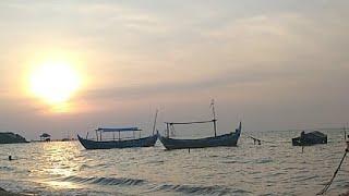 Tadabur Sore Menikmati Alam Raya Di Pantai Jepara