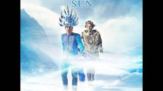 Empire Of The Sun - Alive [HQ]