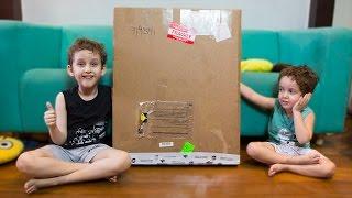 Placa de 1 Milhão Surpresa - Crianças Brincando - Paulinho e Toquinho