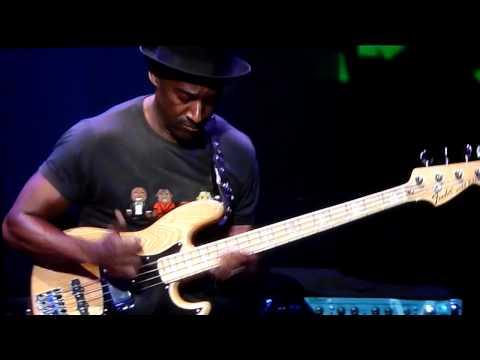 Marcus Miller - Bass Solo (in Tokyo Jazz)