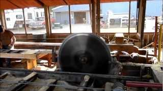 Old Steam Engine Powers Saw Mill - Up State Fair