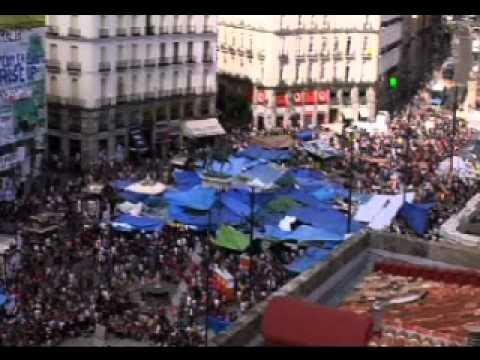 Five minutes in the late afternoon close to the Spanish Revolution - 20/5/2011