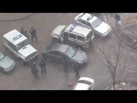 В Приморском районе сотрудники полиции задержали молодого человека