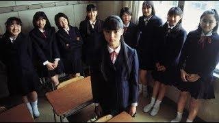 中学1年生の少女・北サチ子は、小学校時代の担任・緒方との恋愛や、二人...