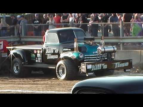 Super Modified TWD Trucks Pulling at Millers Tavern May 31