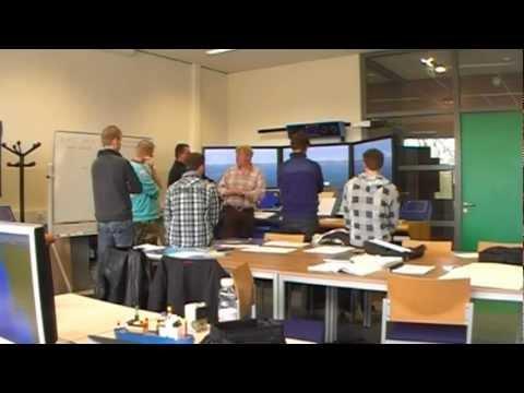2012-04-20 Simulator Training op de brugsimulator Polaris B Maritieme Academie  Harlingen.wmv