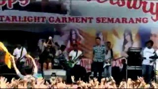 Video OM Sera - Febri Viola - Cinta Gila  8th Anniversary PT Star Light Garment Semarang 09 April 2016 download MP3, 3GP, MP4, WEBM, AVI, FLV Agustus 2017
