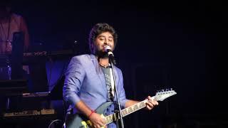 अरिजीत सिंह ने कभी जो बादल बरसे लाइव (जैकपॉट) गाया