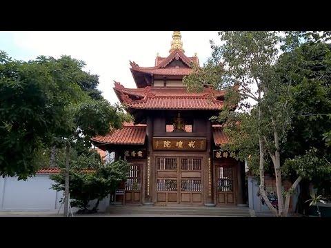Chùa Huệ Nghiêm – Quận Bình Tân, HCM (có phụ đề)