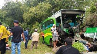 Download Video Kecelakaan Bus di Jln.Dlingo-Imogiri MP3 3GP MP4