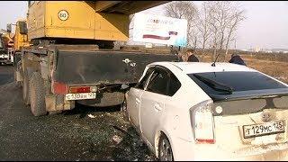 Авария в районе Сахзавода шокировала уссурийцев. Под Камазом оказался Приус