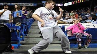 Kid Started DANCING Like No One