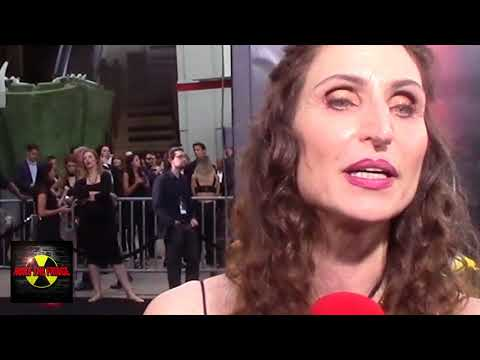 """Bonnie Aarons """"Demon Nun"""" Talks Horror at the premiere of Stephen King's IT"""