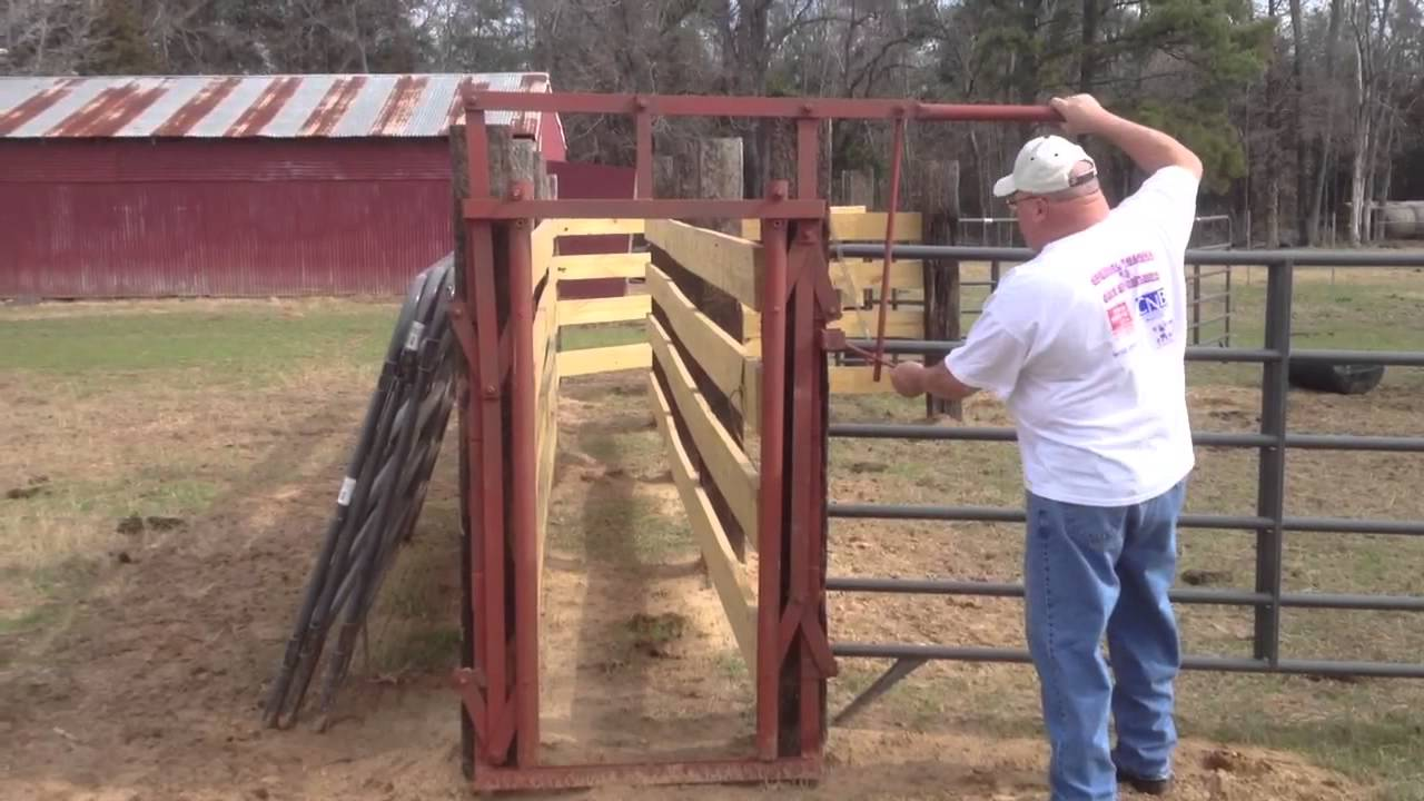 Home Made Head Gate For Cattle Youtube