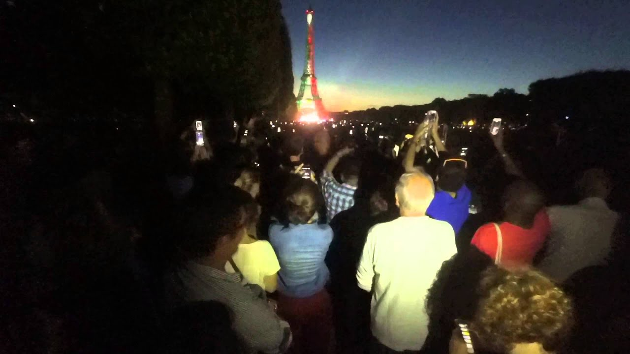 eiffel tower dressed with mexican flag youtube