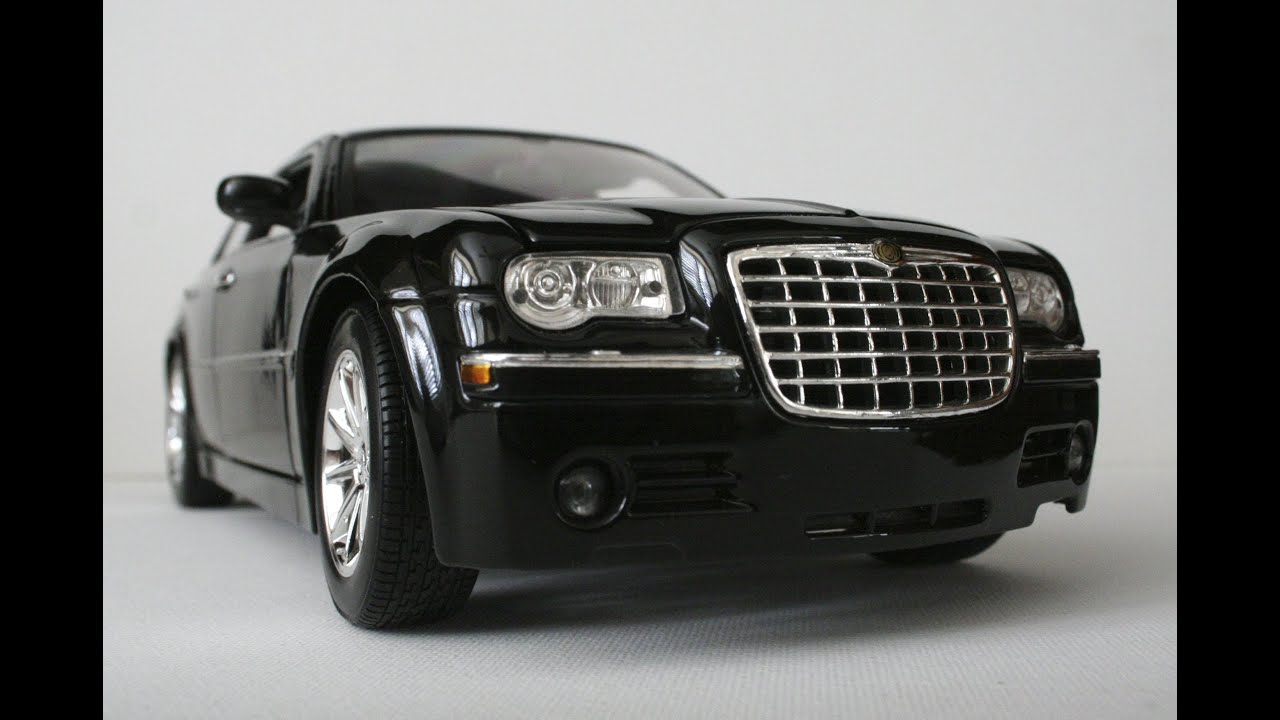 1 18 chrysler 300c hemi by maisto 2005 the model. Black Bedroom Furniture Sets. Home Design Ideas