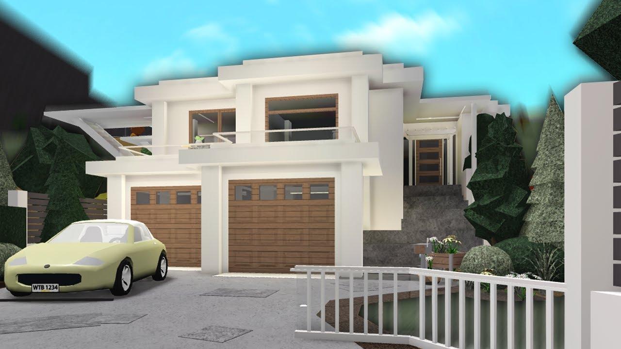 building my DREAM HOUSE 1 (bloxburg) - YouTube
